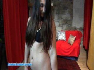 गर्म lapdancer एक कैमरा आदमी के साथ यौन संबंध है
