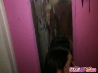 सेक्सी शौकिया प्रेमिका अगस्त एम्स शौचालय में बँधा हुआ