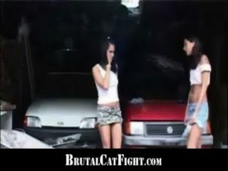 Slutty श्यामला spanked और मुश्किल पीछे से गड़बड़