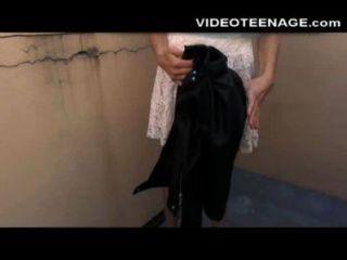 शर्मीला किशोर उसे पहले गुदा अश्लील कास्टिंग करता है
