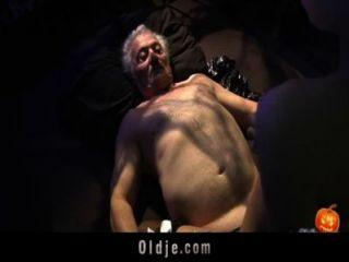 दादा के लिए खुश सेक्स-alloween रात
