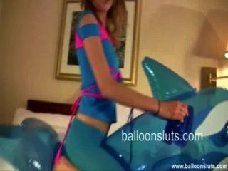 सींग का बना किशोरों कूबड़ inflatable व्हेल खिलौना