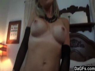 गोरा वेश्या उसे सेक्स कौशल से पता चलता है