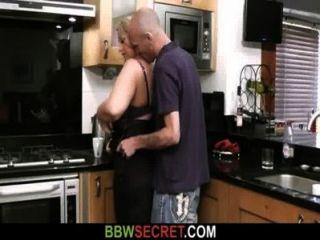 शादीशुदा आदमी licks और उसे वसा बिल्ली fucks