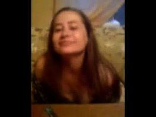 एलेना उसके स्तनों [2007] से पता चलता है