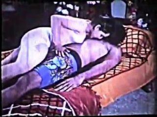 रेशमा पूर्ण नग्न