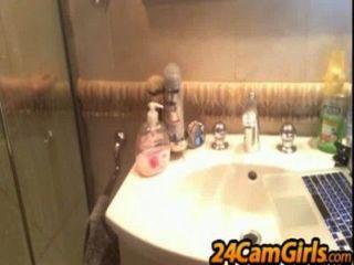 कैम दर्शक के लिए मेरे स्नान शो 24camgirls.com
