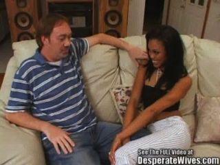 काले एशियाई मिश्रण आकर्षक पत्नी निगल!