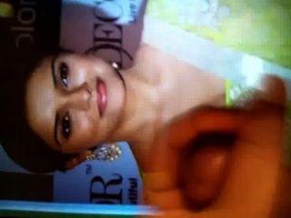 देसी भारतीय बॉलीवुड अभिनेत्री असिन पर सह श्रद्धांजलि