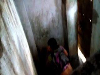 शौचालय पर बांग्लादेशी vabi
