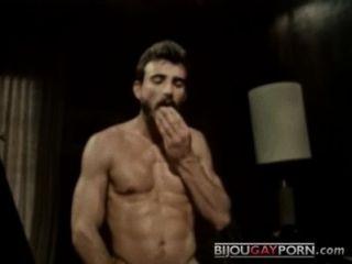 विंटेज पोर्न स्टार अल पार्कर fucks इंच में बॉब blount (1979)
