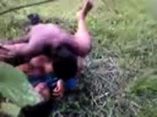 साड़ी में बांग्लादेशी सेक्स भारतीय तेलुगु गांव चाची गड़बड़ आउटडोर