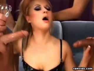 गंदा गोरा कच्चे डीपी यौन संबंध है