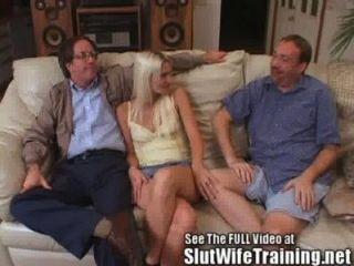 Blondie Wifey व्यभिचारी पति घड़ियों सेक्स