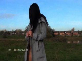 अंधेरे क्लो सार्वजनिक नग्नता और सेक्सी ब्रिटिश बाब द्वारा आउटडोर दृश्यरतिक चिढ़ा lovettes