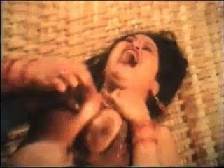 बांग्लादेशी बड़े स्तन चाची एमआईएलए मजबूर