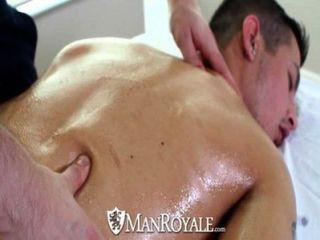 HD - manroyale कामुक मालिश गर्म सेक्स में बदल जाता है