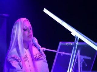 लेडी गागा - ARTPOP (आज रात शो पर रहते हैं)