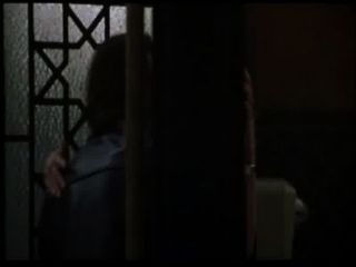 सेक्सी विश्वासघात डायने लेन टॉयलेट में गड़बड़ हो जाता है (पाश के साथ)