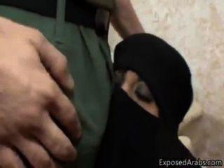 मुस्लिम पत्नी अमेरिकन यांकी लिंग बौनों हैरान