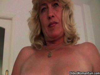 ब्रिटिश grannies जो अभी भी हस्तमैथुन का आनंद