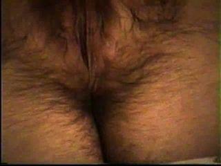 पत्नी (अंत में संभोग) उसे गर्म बालों बिल्ली masturbates
