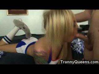 tranny किशोरों की जयजयकार!