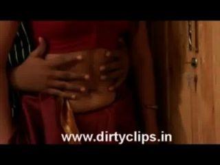 अप्रकाशित तमिल फिल्म शांती से अभिनेत्री अर्चना गर्म दृश्य