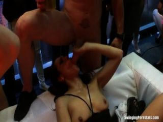 क्लब tramps चूसना और बकवास लंड