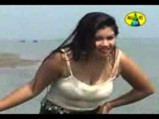 बांग्ला गर्म गीत - बांग्लादेशी Gorom मसाला #