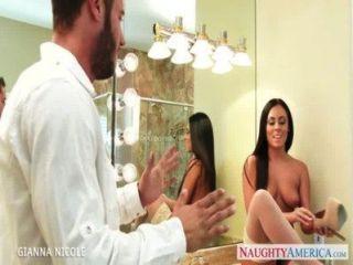 मौज़ बेब स्नान में Gianna निकोल बकवास