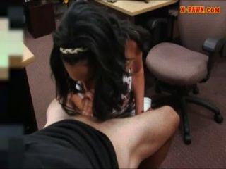 बड़ा titty लैटिना सिर देता है और कुछ cashme नकदी के लिए बढ़ा