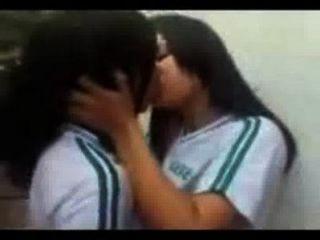 कॉलेज परिसर में देसी समलैंगिक यौन संबंध