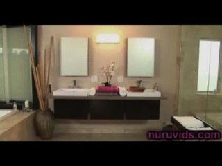 अद्भुत आसा अकीरा के साथ हॉट स्नान