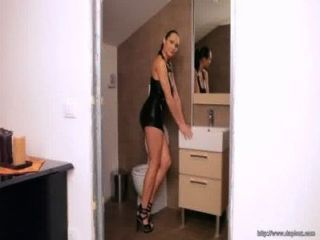 सेक्सी चेक कामुक मॉडल जेनिफर अधिकतम एक गर्म गधा है