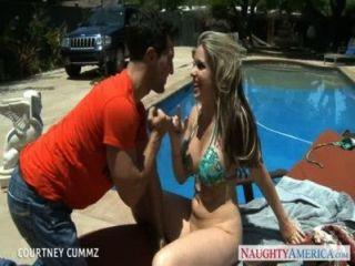 संचिका Blondie कोर्टनी पूल साइड पर बकवास Cummz