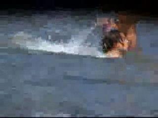 सेक्सी GFS की दृश्यरतिक वीडियो समुद्र तट पर नंगा