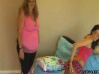 मां और बेटी Handjob
