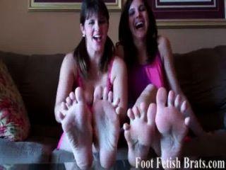 क्या आप अपने पैर की उंगलियों पर चूसने प्यार