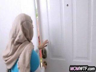 अरब माँ और बेटी शेयर मुर्गा Julianna वेगा, मिया खलीफा 23 81