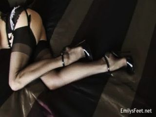 एमिली मर्लिन ~ मेरे साथ आओ खेलें