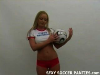 गोरा चेक शौकिया फुटबॉल महिला चिढ़ा