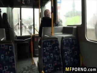 Blondie सार्वजनिक बस पर गड़बड़ लिंडसे ऑलसेन 1