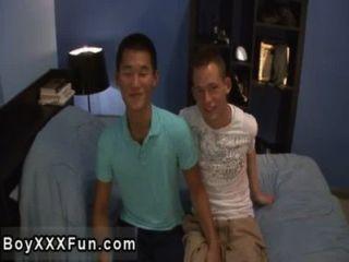 सेक्सी समलैंगिक बिली और टॉमी, बाहर धागों कर रहे हैं जब टॉमी शुरू होता है