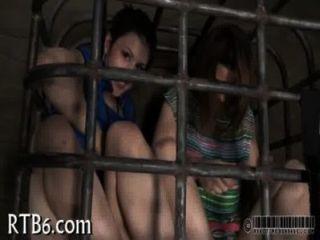hotty के लिए क्रूर सजा