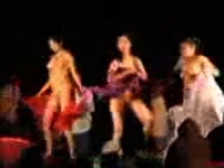 आंध्र लड़कियों नग्न नृत्य
