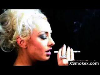 भव्य परिपक्व धूम्रपान गड़बड़