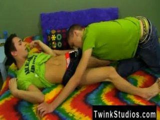 समलैंगिक वीडियो jacobey लंदन उसके हुक अप दिलचस्प रखने के लिए है, तो भी आनंद मिलता है
