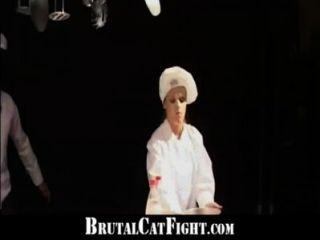 sluts Catfight और रसोई घर में गंदा बकवास