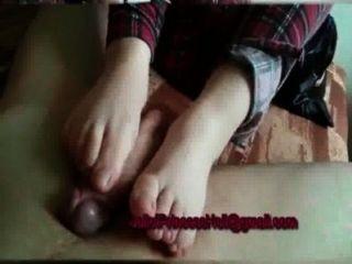 नंगे पैर द्वारा Footjob